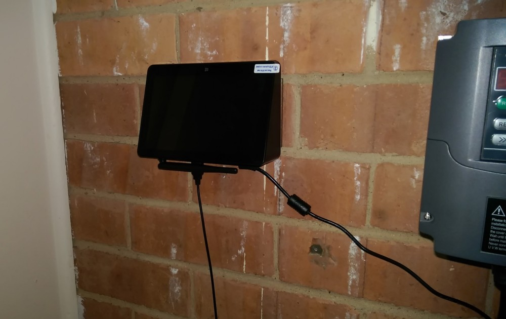 Photo of wall-mounted PIPO X8